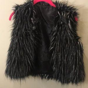 Tobi Faux fur Vests